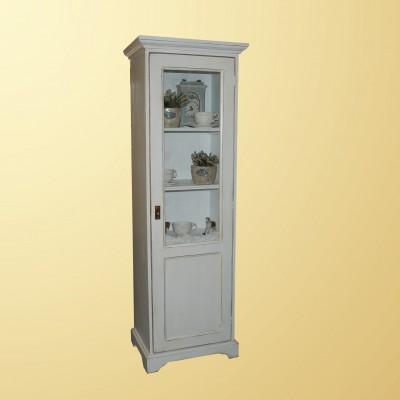 Vysoká skříňka