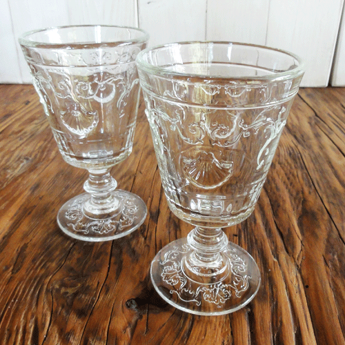 Skleněné-poháry-se-znakem-3